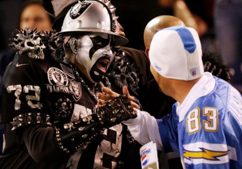 Raiders Charger Fans getting along