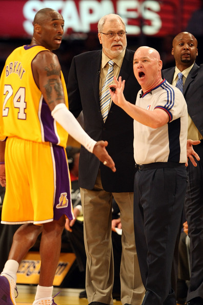 Kobe Bryant Argues with Joey Crawford
